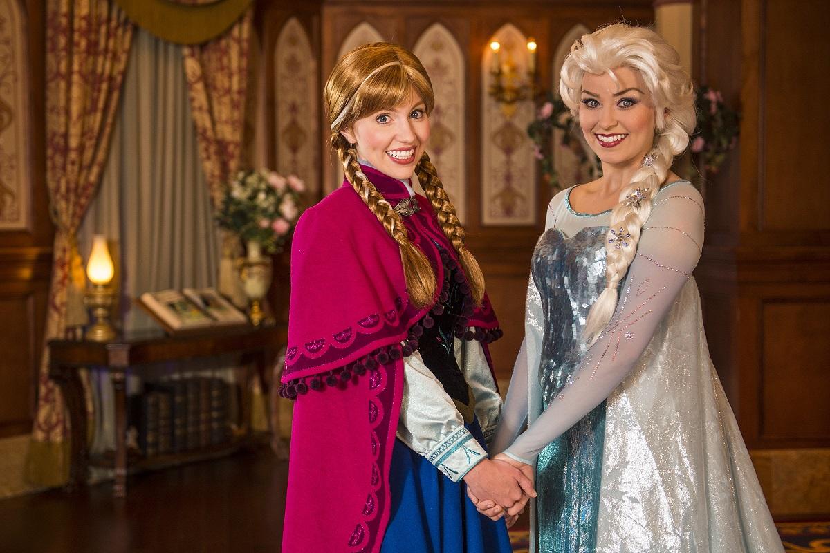 anna-elsa-frozen-princess-fairytale-hall.jpg