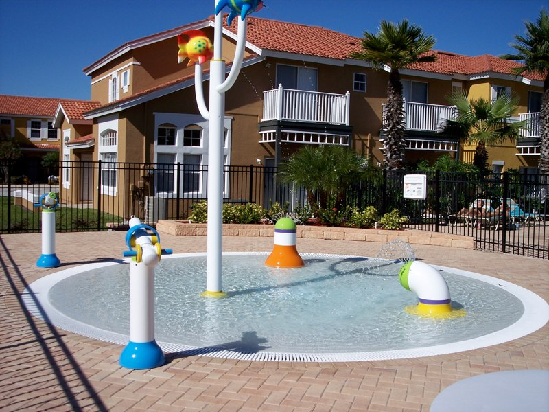 kids-splash-area.jpg