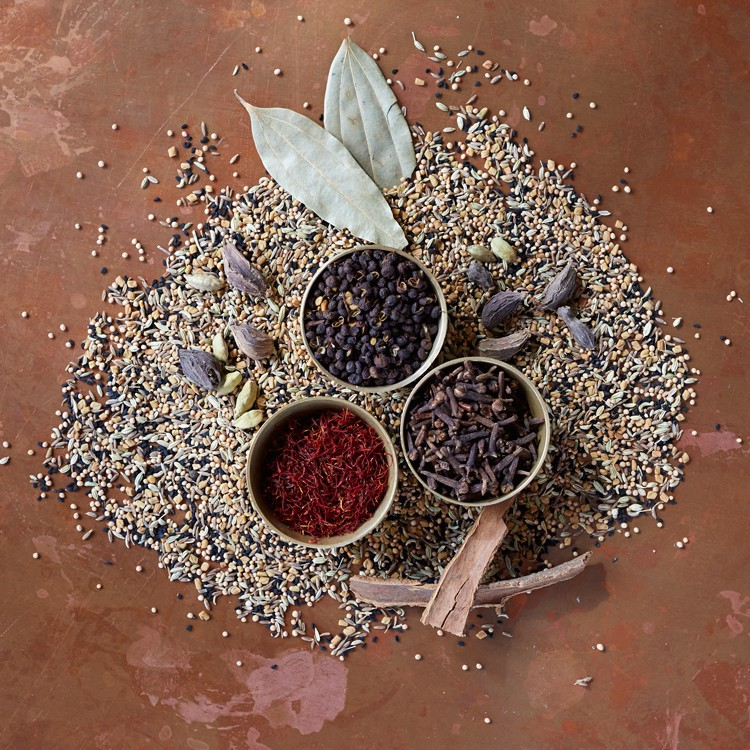 the-cheel_whole-spices (1).jpg