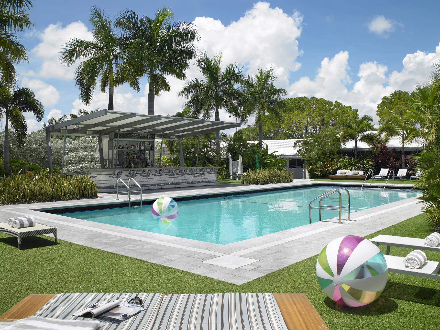 pool daytime 1.jpg