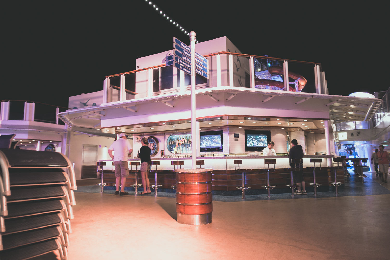 norwegian-getaway-cruise-deck.jpg