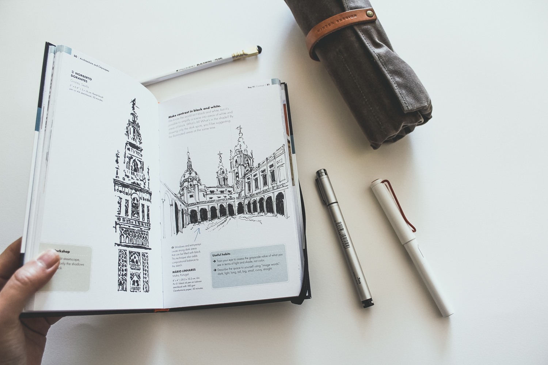 The-Urban-Sketching-Handbook-Gabriel-Campanario-preview-1.jpg