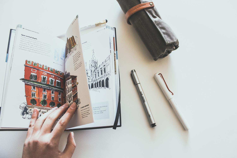 The-Urban-Sketching-Handbook-Gabriel-Campanario-preview-2.jpg