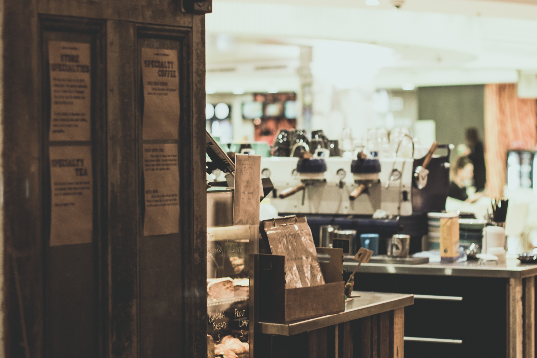 bar-9-famished-fridays-cafe.jpg