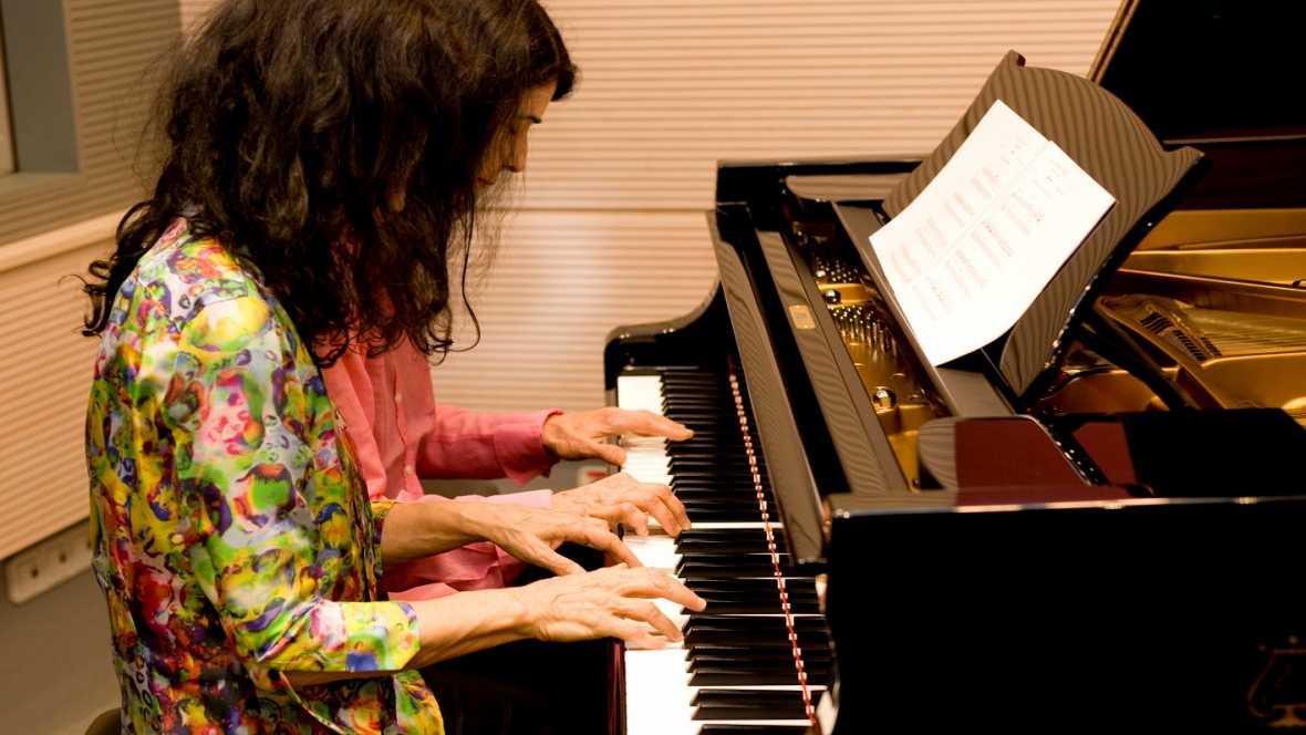 (las hermanas Katie y Marie Labéque, famosas pianistas)