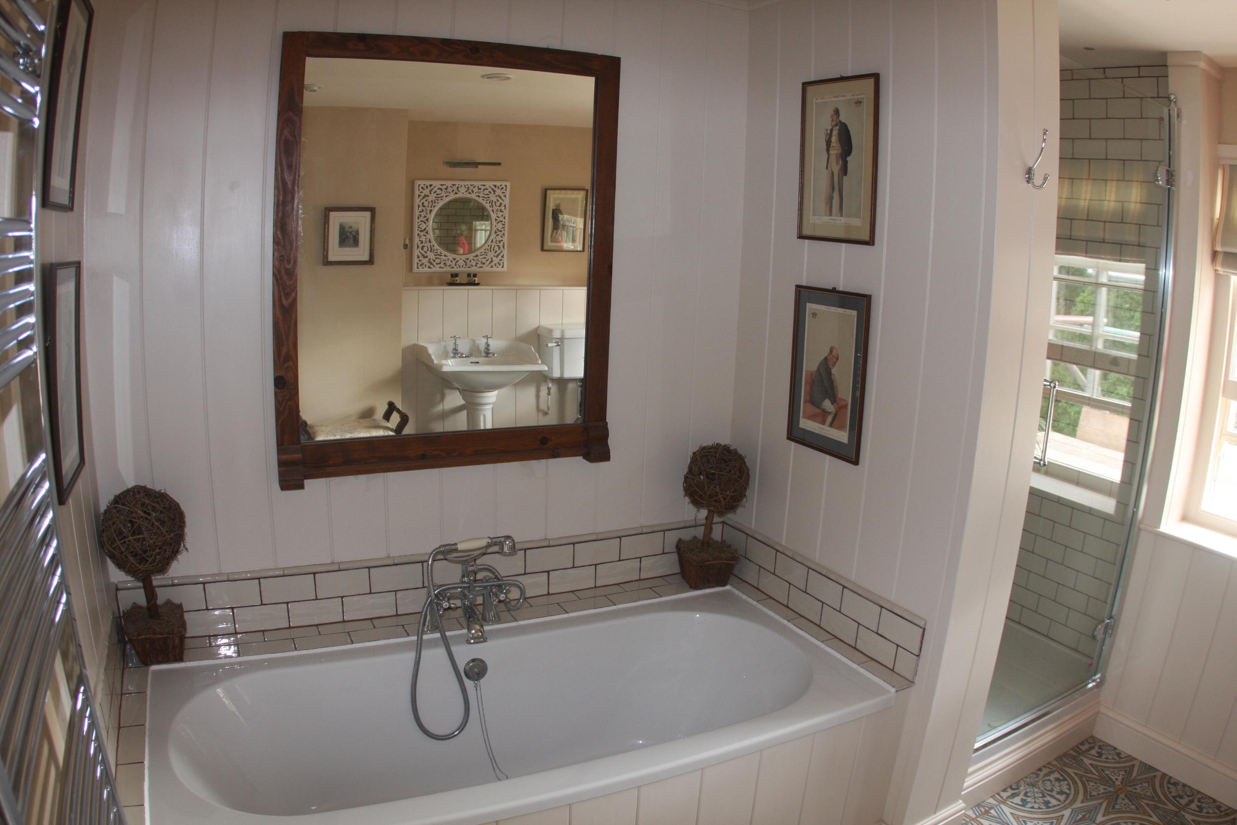 bathroom Curry Moor.JPG