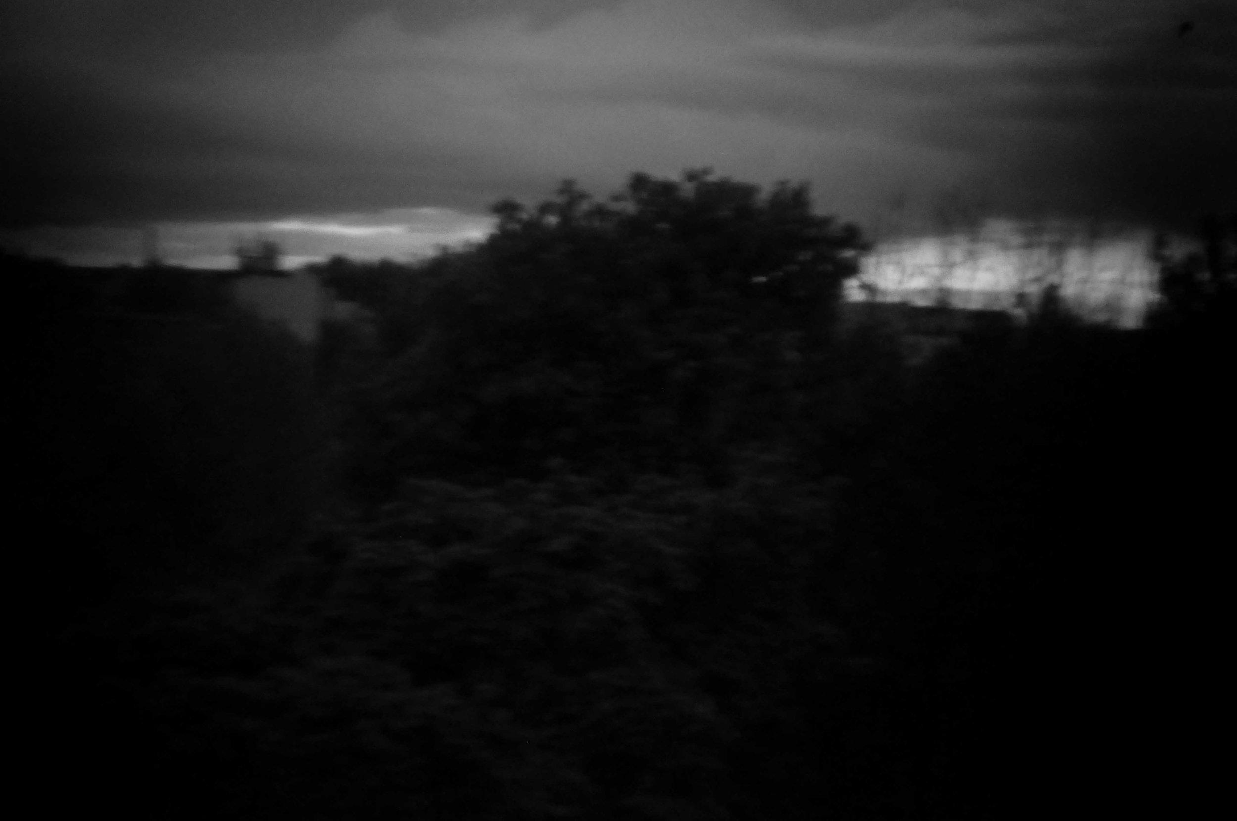 2 Aus der Serie Fenster - digitale Fotografie aus Papier - 30x45cm - 2014.jpg