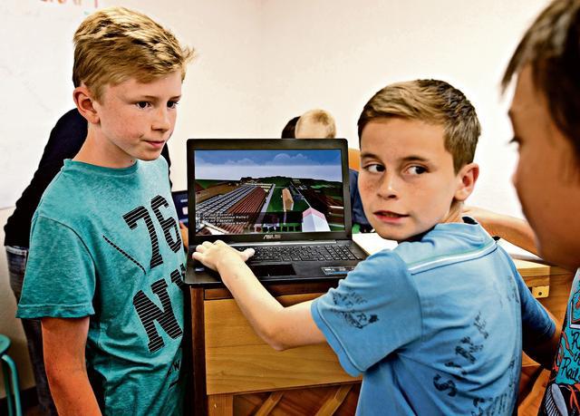 Spiele, die Schule machen  (BIld: Michele Limina)  SonntagsZeitung, 5.7.2015 ( PDF )