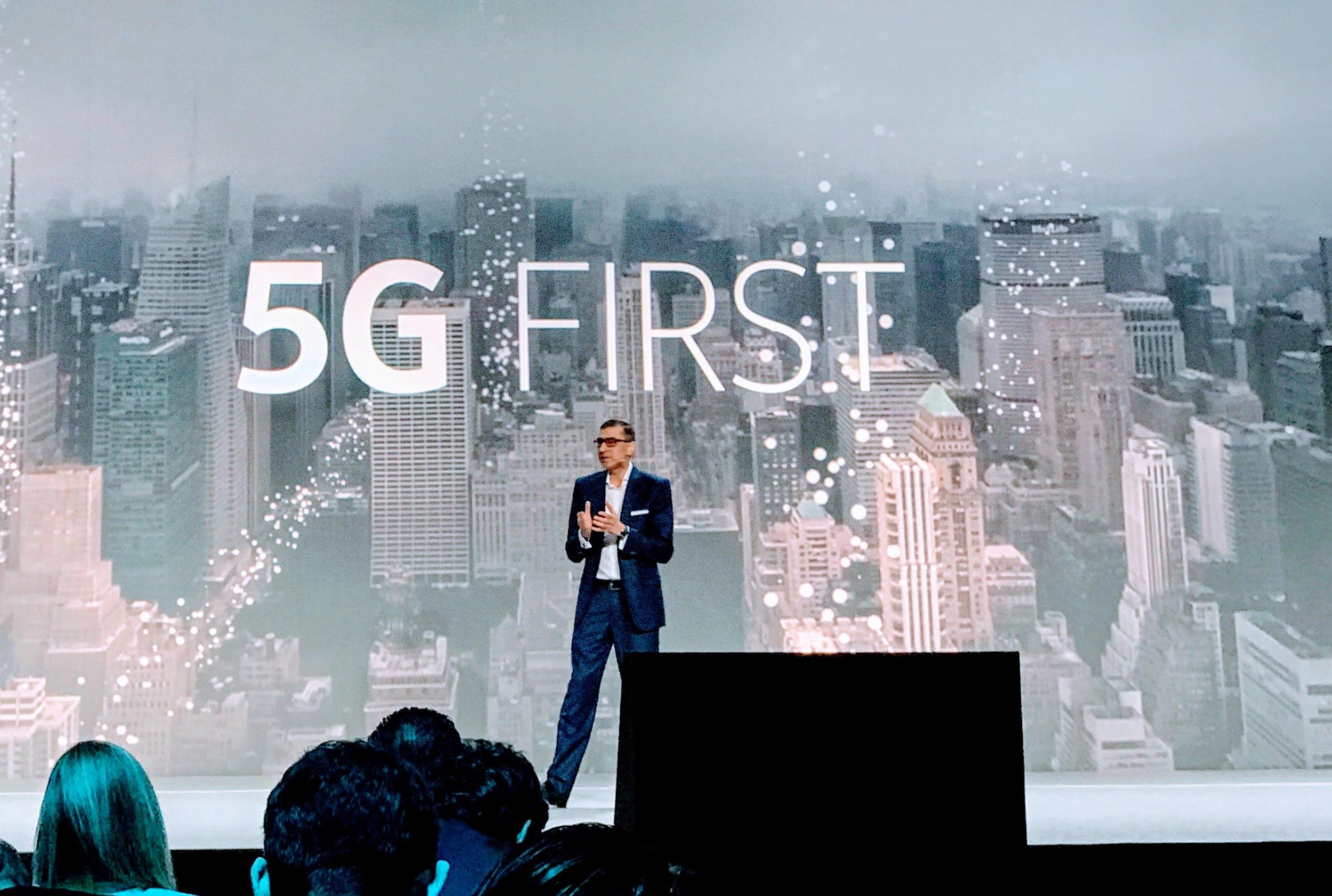Mobile World Congress 2017: Nokias Rückkehr in den Hosensack.  Die Finnen haben weit mehr im Gepäck als ein Remake des legendären 3310. Die Firma ist für die Zukunft gut aufgestellt.    SonntagsZeitung, 5. März 2017