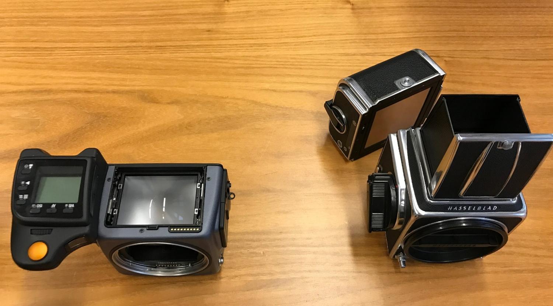 Man kann auch ein digitales Magazin an eine analoge, alte Hasselblad montieren - und bekommt eine Digital-Kamera.