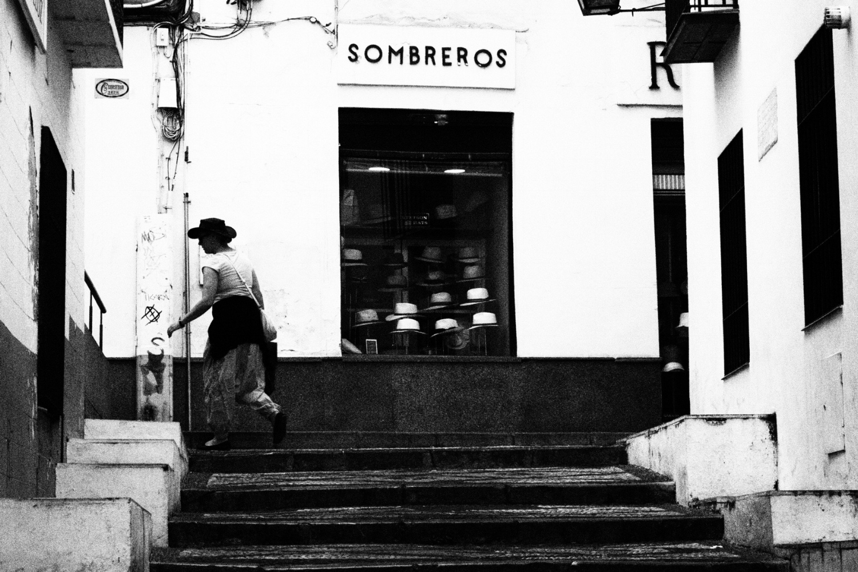 Sombreros, Cordoba (mit Testkamera Olympus OM-D E-M1 Mark II)  Mehr Andalusien hier.