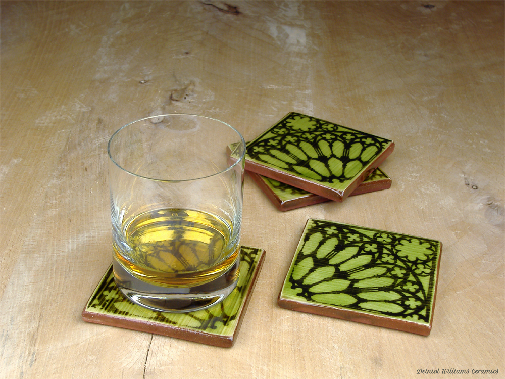 Coaster Set with Rose Window Pattern