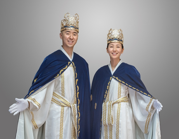 Hyung Jin (Sean) Moon, leader of the WPUS and his wife, Yeon Ah Lee.