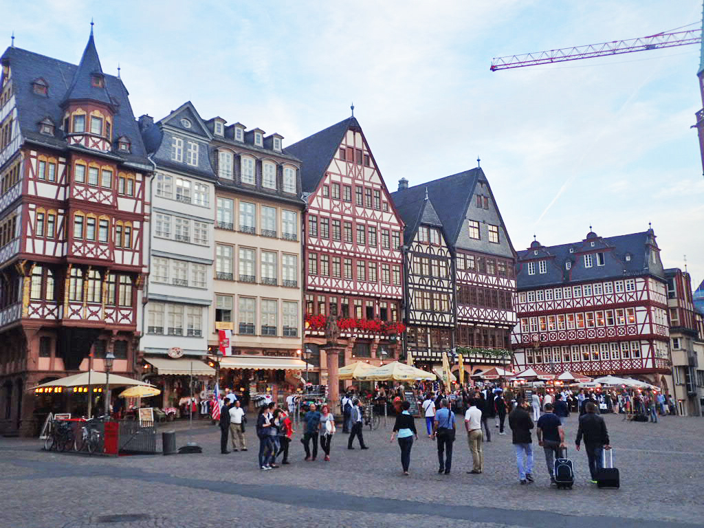 The beautiful (and not frustrating) historical buildings of Altstadt in Frankfurt, Germany