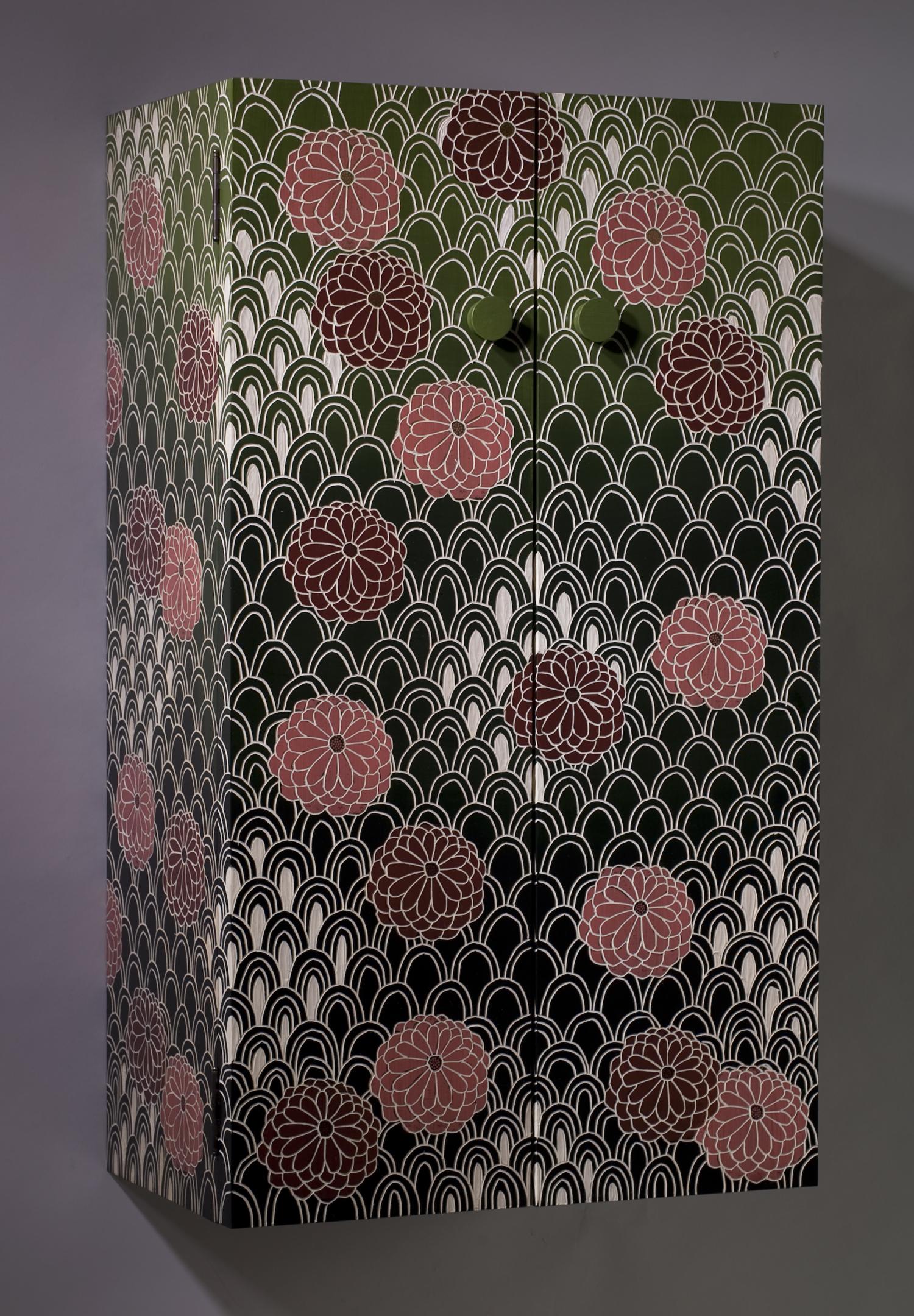 Chrysanthemum Cabinet
