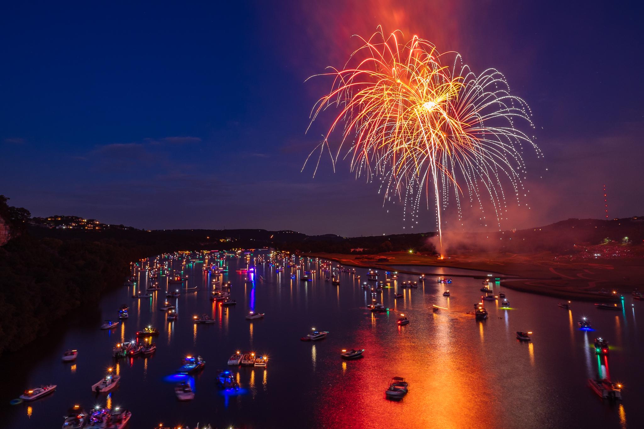 austin_fireworks_2014_8.jpg
