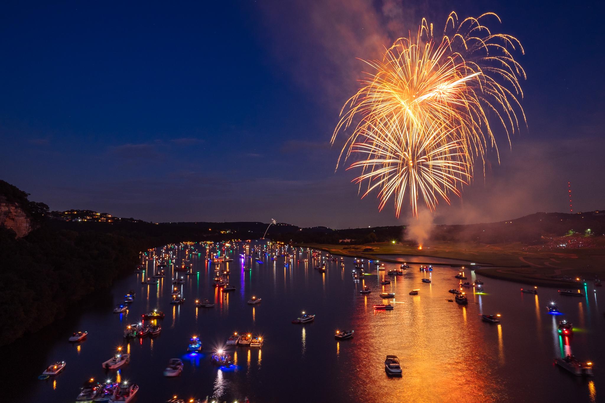 austin_fireworks_2014_7.jpg