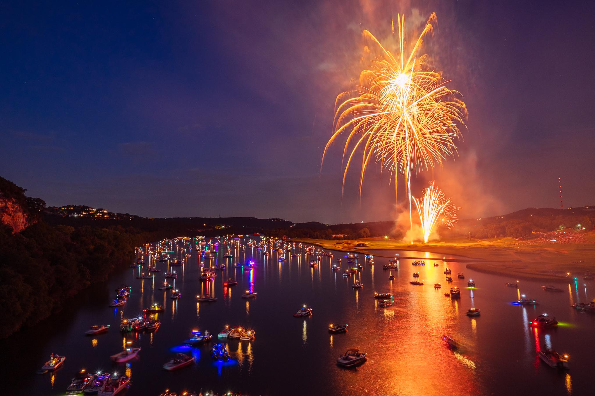 austin_fireworks_2014_4.jpg