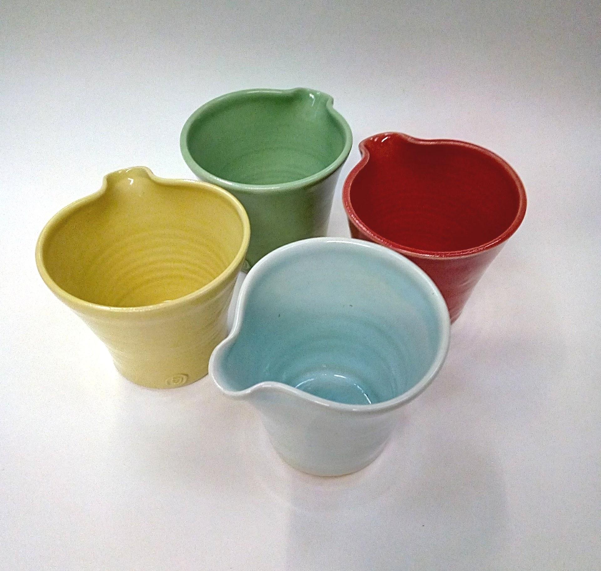 mixed colours jugs 2 ed.jpg
