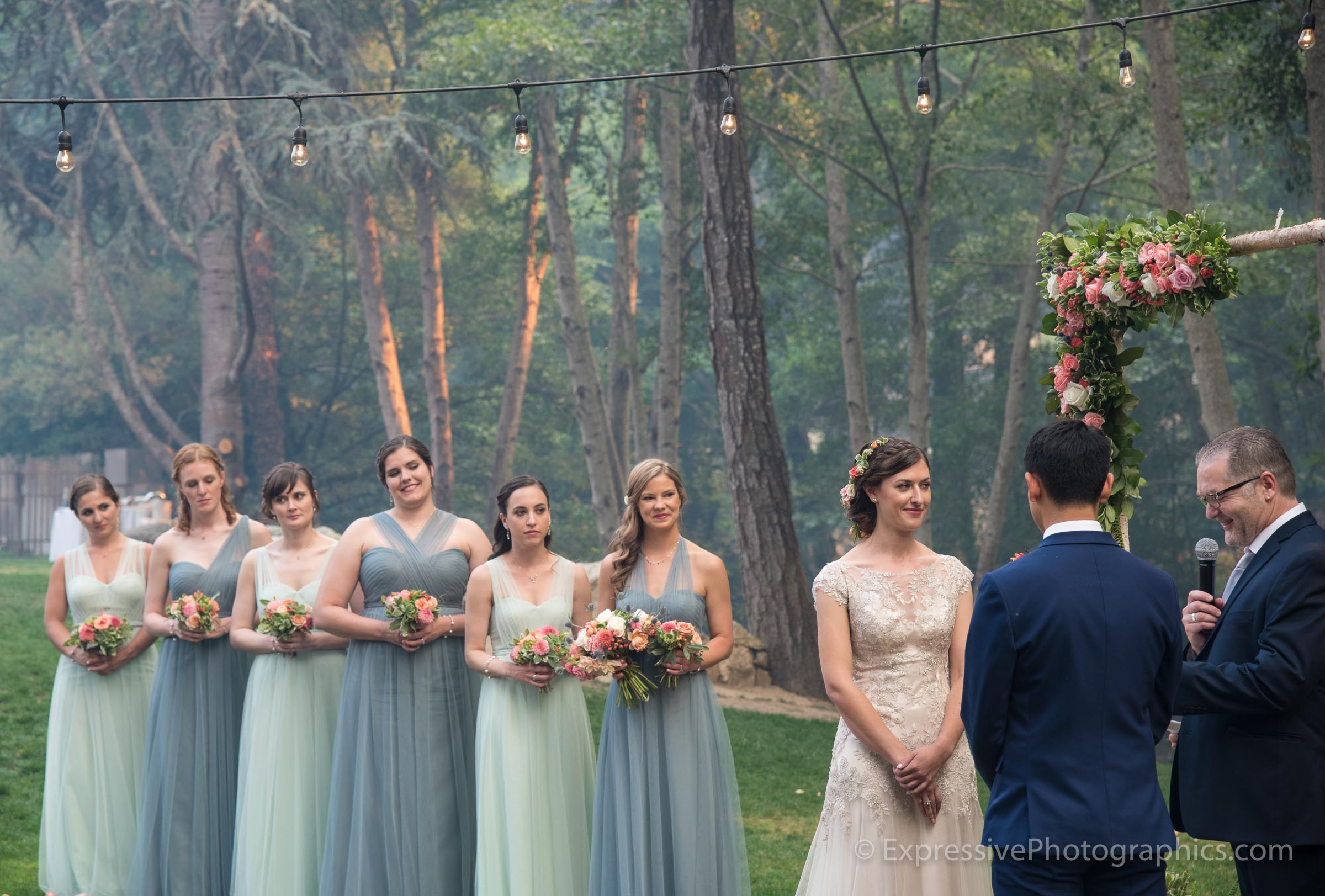 Expressive-Photographics-altar-bride-20160723_0647.jpg