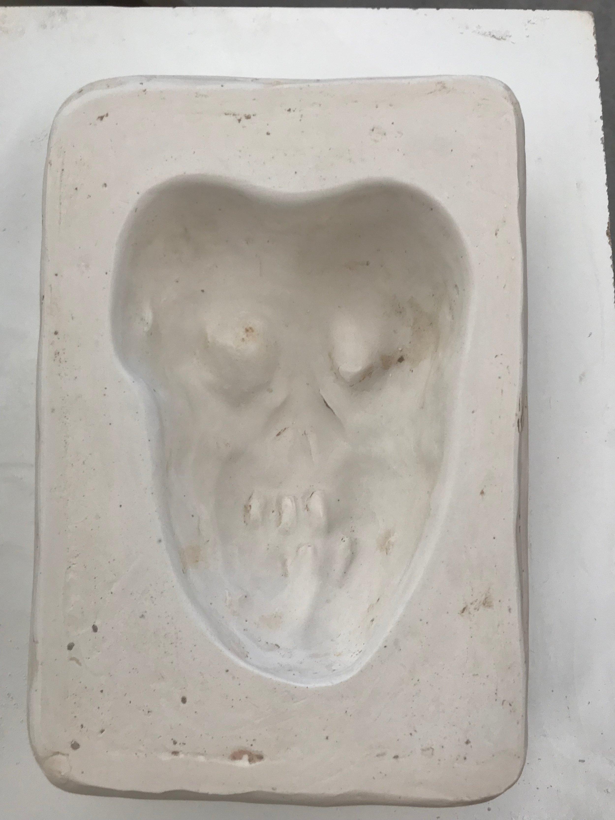 skully1.JPG