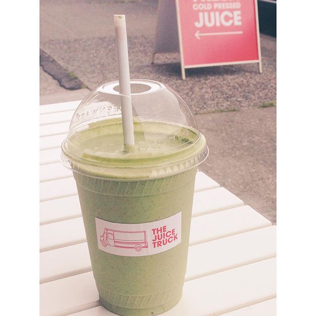 We love trying out new #local places. Can't believe it took us this long to get on board with the @juicetruck but it was well worth the wait! Stopped by the super cute store front to grab a #greenprotein to fuel a #TeamDuJour weekend.  #yvr #healthy #smoothie #juice #greens #fit #supportlocal #yum