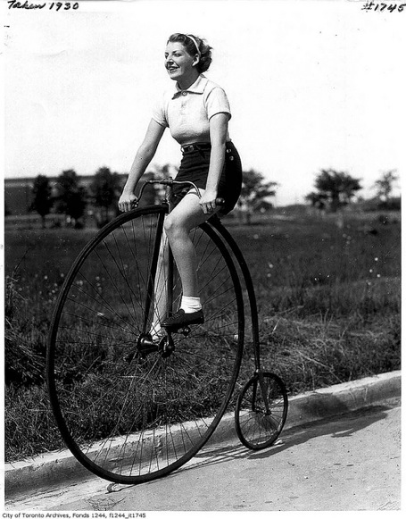 Image Source:ecosalon.com/cycle-chic-female-cyclists-through-the-ages-336/