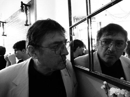 Terry Freedman in cafe.jpg