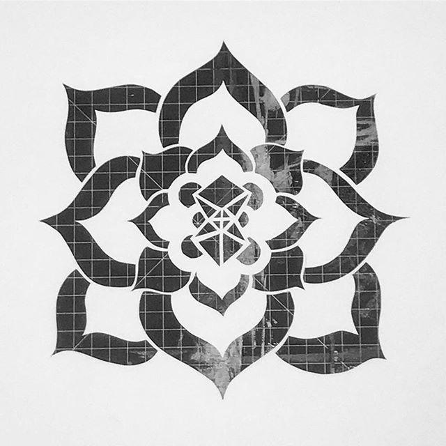 Detail of a work in progress piece. It's gonna be a big one!! #papercut #art #illustration #sacredgeometry #workinprogress #mybackhurts #artistsoninstagram