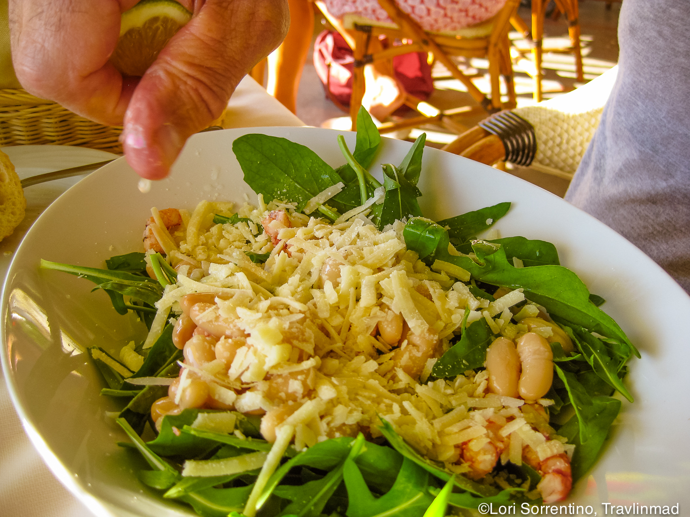 Fresh rocket/arugala salad with bean and seafood
