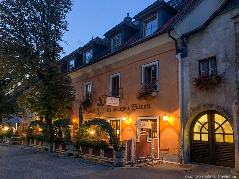 Hotel restaurant Zum Schwarzen Bären in Emmersdorf an der Donau