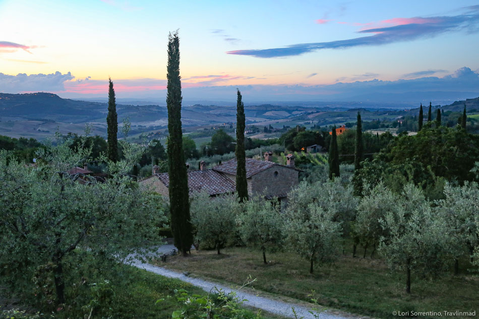 The iconic landscape of the Tuscan Val d'Orcia, Photo: Travlinmad