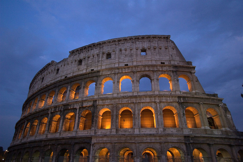 One of Rome's highlights, the Colosseum at night