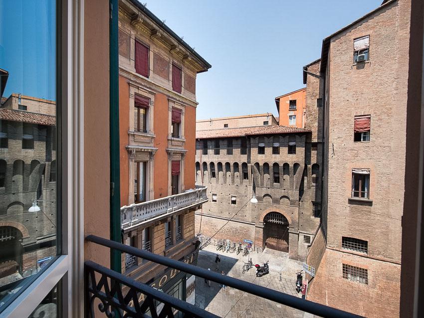 Hotel+Novocento,+Bologna,+Italy.jpg
