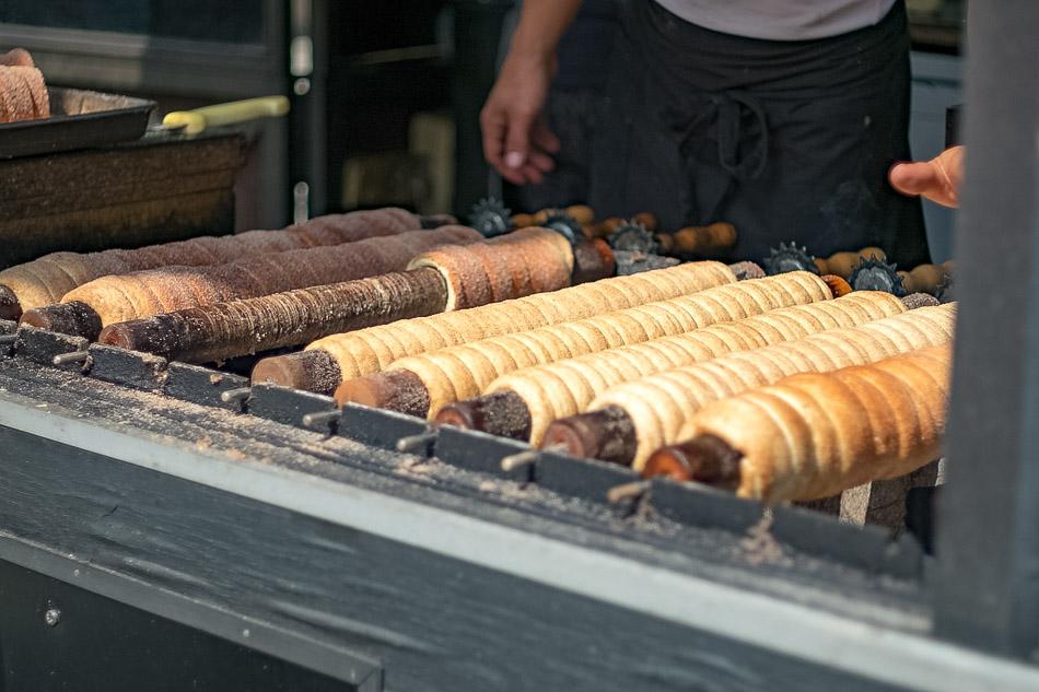 Tredlnik, a popular street sweet in Prague