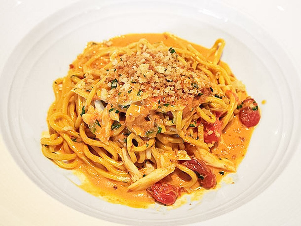 Spaghetti with sea urchin, a traditional Italian food in Sardinia
