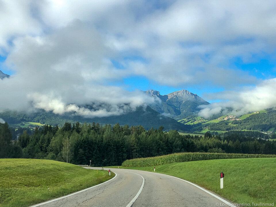 driving-to-Lago-di-Braies.jpg