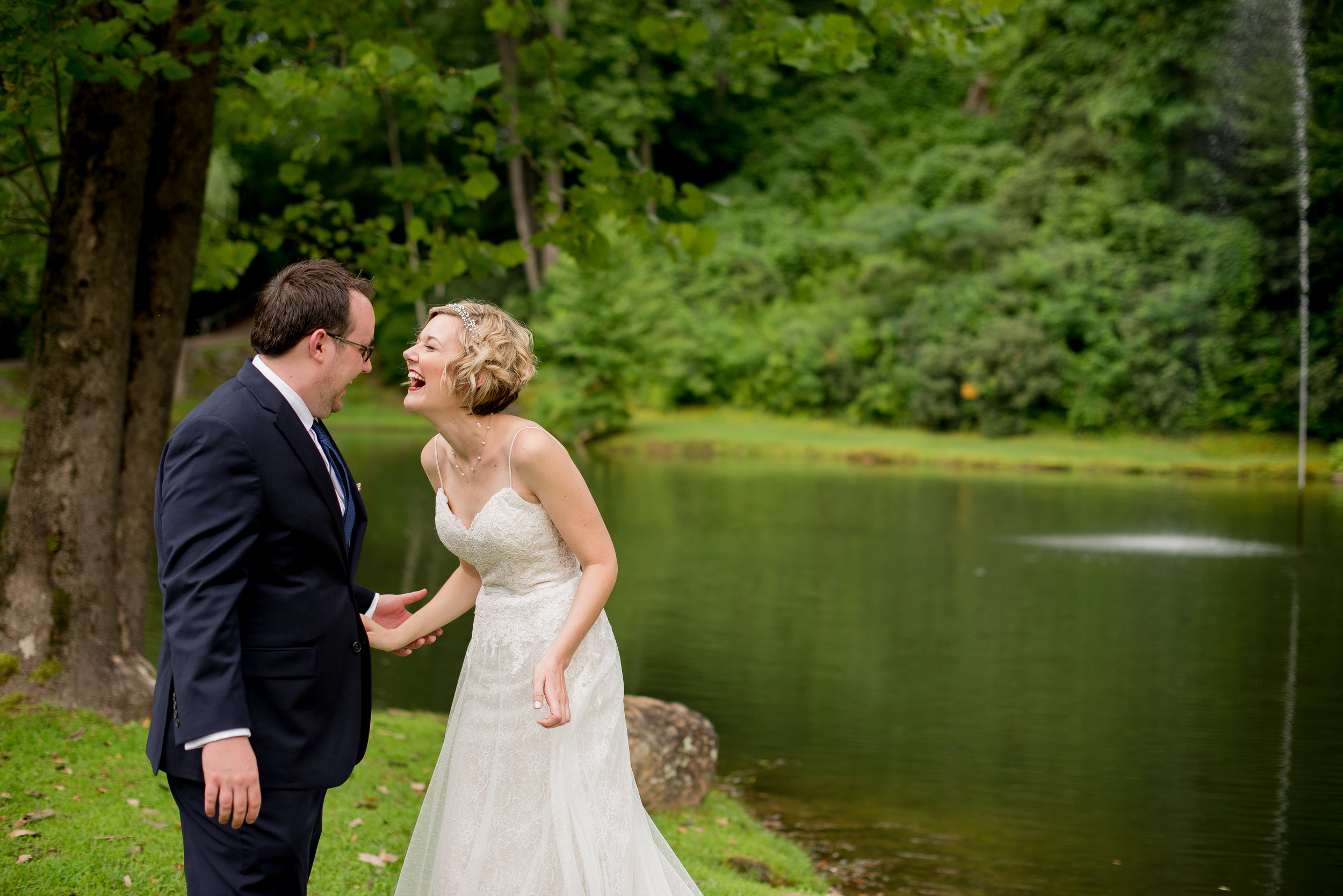 Round-Knob-lodge-Intimate-Wedding.jpg