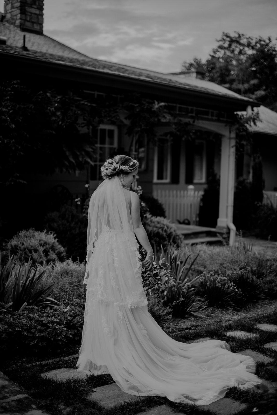 Inn-At-Tranquility-Farm-Bridal-Session-45.jpg