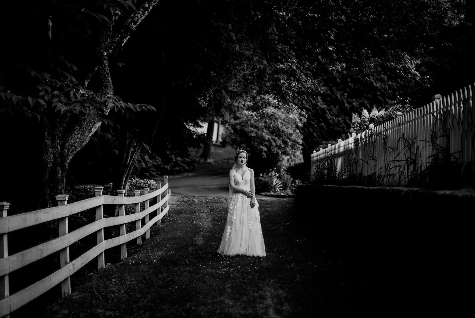 Inn-At-Tranquility-Farm-Bridal-Session-107.jpg