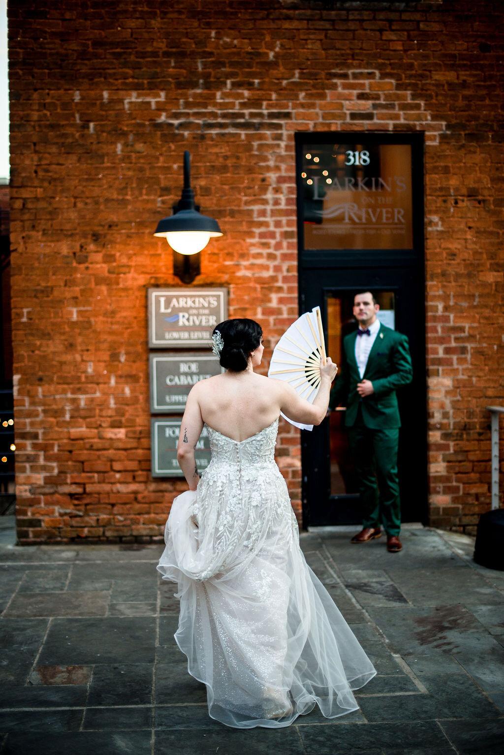 vibrant downtown wedding - LARKINS ON THE RIVER   GREENVILLE, SC