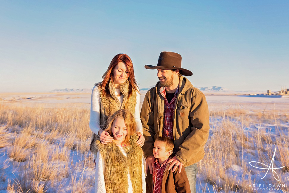 Family session in the winter in Great Falls, MT