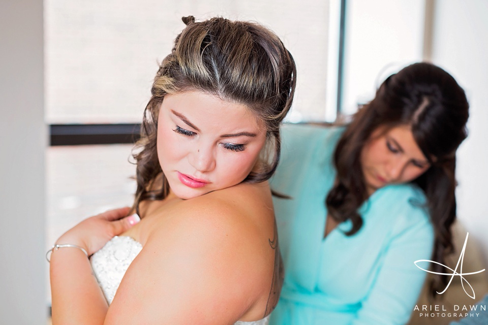 Putting the dress on Great Falls, Montana | Ariel Dawn Photography | www.arieldawnphotography.com