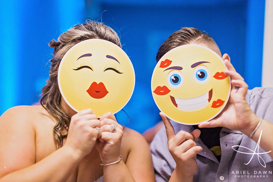 Emoticons at wedding  | Great Falls, Montana | Ariel Dawn Photography | www.arieldawnphotography.com | Wedding Photographer