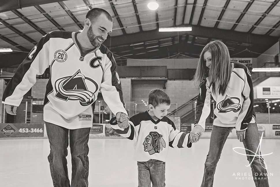 HockeyEngagementPhotos_GreatFalls_Montana_Photographer_17.jpg