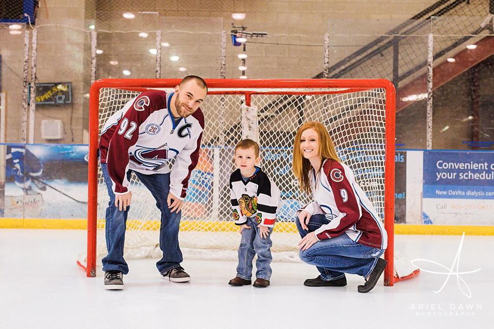 HockeyRinkEngagementPhotos_05.jpg