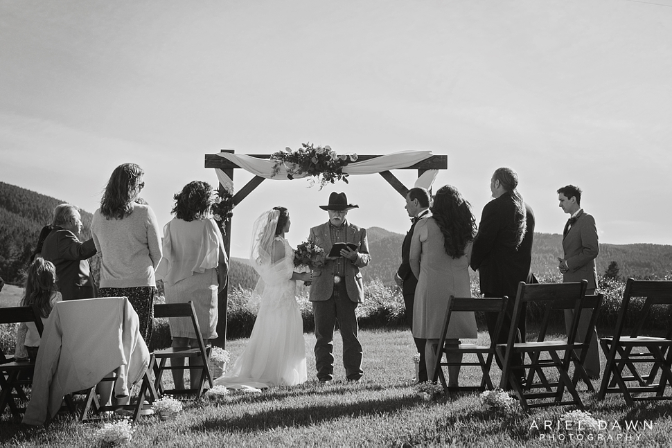 Bend Oregon Summer Wedding_10.jpg