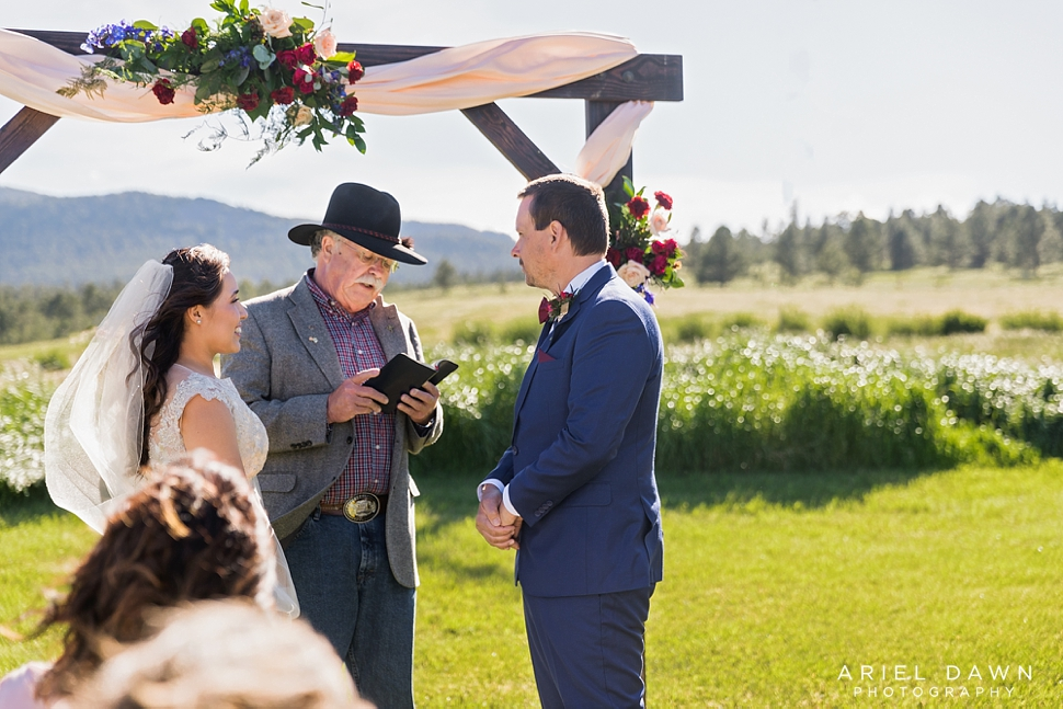 Bend Oregon Summer Wedding_16.jpg
