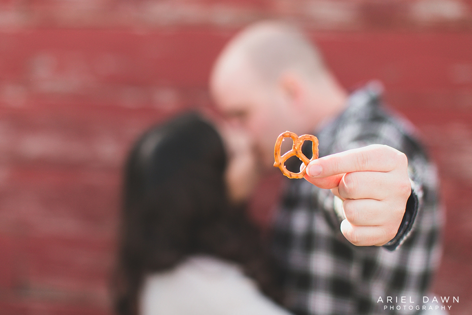 Oregon Engagement Photographer (9).jpg