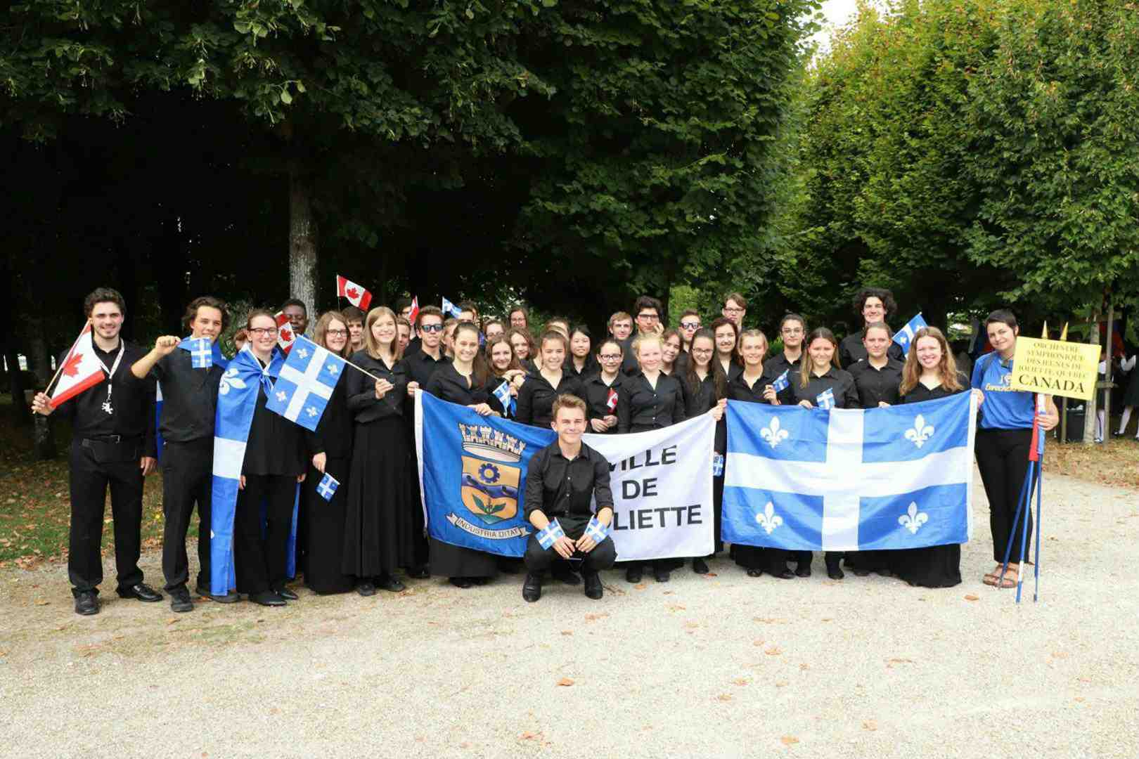 Groupe Photo Joliette Orchestra in Pons_o.jpg
